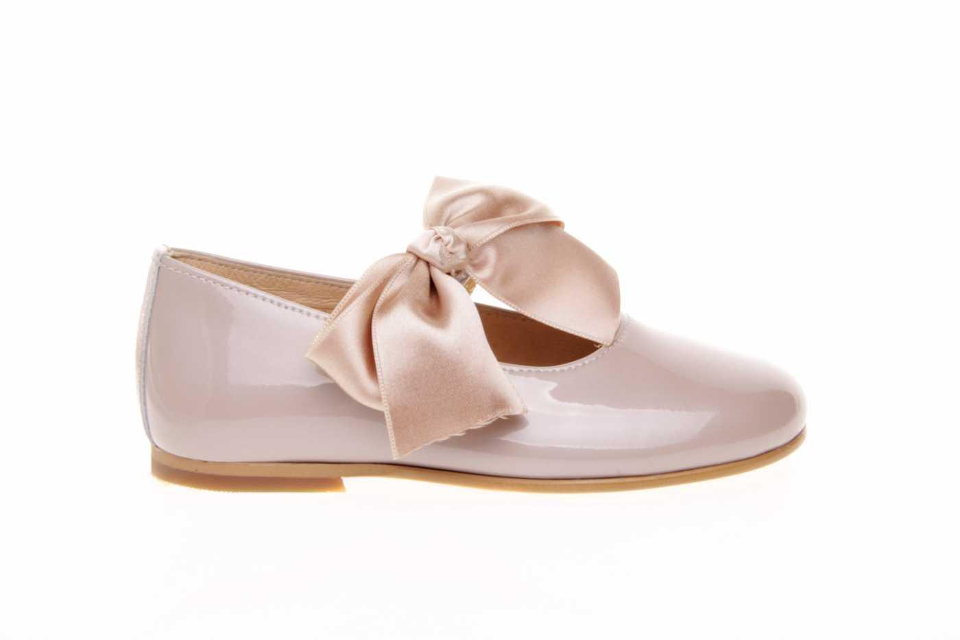 1195903cbd5 Comprar zapato tipo JOVEN NIÑA estilo MERCEDES COLOR CAMEL CHAROL ...