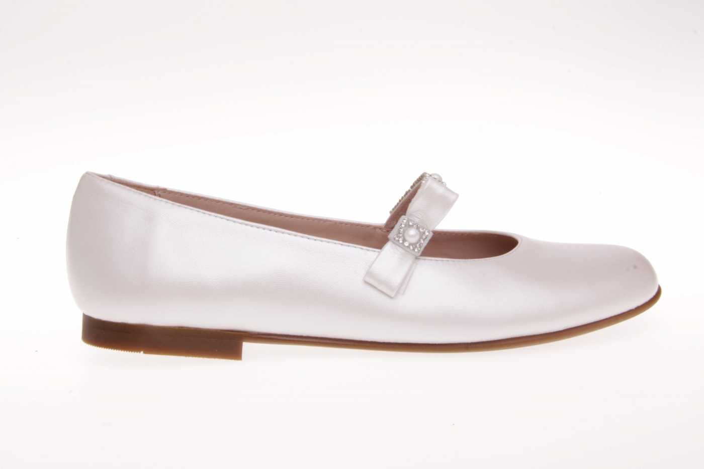 19df37e782c Comprar zapato tipo joven niÑa estilo mercedes color beige piel jpg  1400x933 Zapatos primera comunion