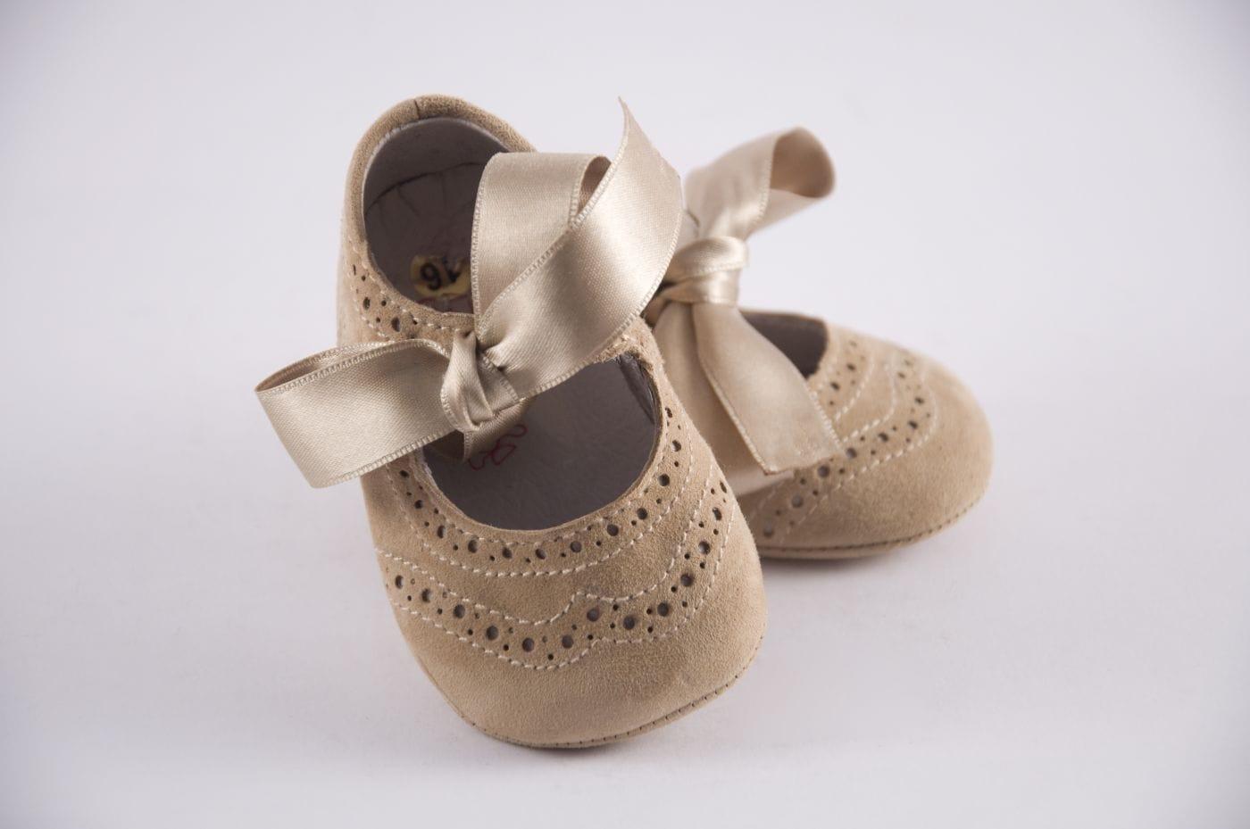 c64f1ac6b3e48 Comprar zapato tipo BEBE NIÑA estilo MERCEDES COLOR CAMEL ANTE ...