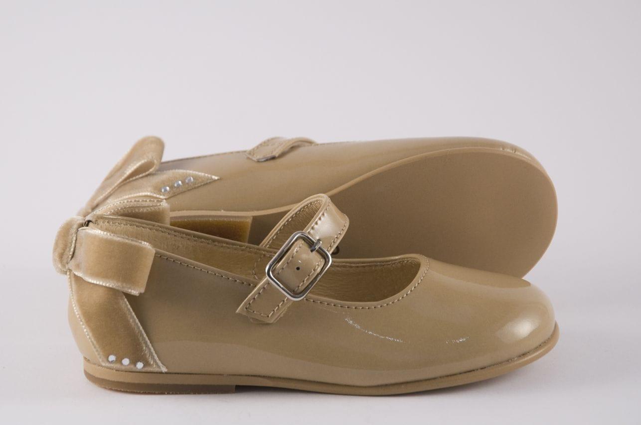 229affa15 Comprar zapato tipo JOVEN NIÑA estilo MERCEDES COLOR CAMEL CHAROL ...