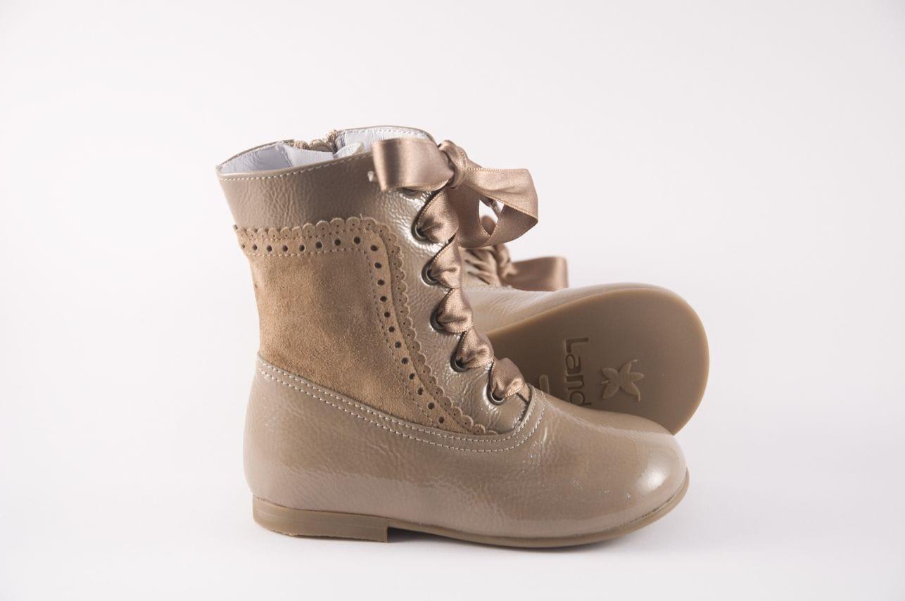 a7320bb4c33 Comprar zapato tipo JOVEN NIÑA estilo BOTAS COLOR ROSA CHAROL ...